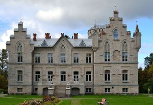 The main building of the Мыза Вазалемма (or Vasalemma mõis) in Estonia. Picture by Iifar.